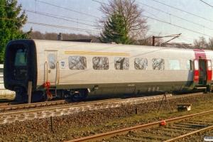 DSB MF 69 afsporet med IC 108 Fa-Kac (MF 10+69). Tommerup 21.02.2004.