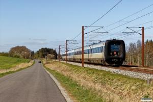 DSB MF 11+ER 21 som IC 54144 Ar-Cph. Km 195,4 Kh (Ejby-Nørre Åby) 16.04.2020.