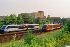DSB MQ 11 og MQ 53 som RV 2860 Od-Svg. Odense 30.07.2002.