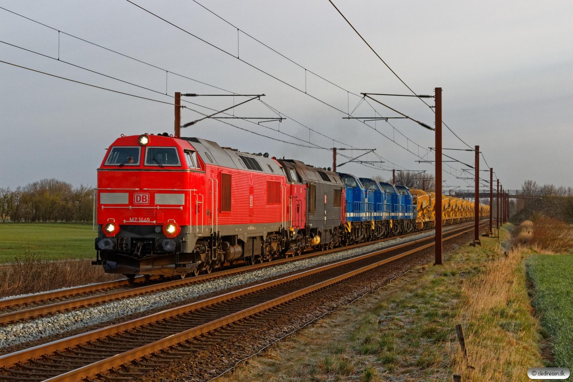 DBCSC MZ 1449+MZ 1452+SLG V 100-SP-006+V 100-SP-004+V 100-SP-007+V 100-SP-010 med G 306103 Rd-Pa. Km 54,8 Fa (Sommersted-Vojens) 10.04.2020.