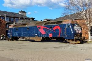 DSB ME 1507 klar til ophugning. København 03.04.2015.