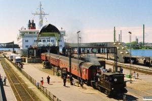 DSB F 653 trækker PX 8039 Kh-Ar i land. Nyborg Færge 31.05.1997.