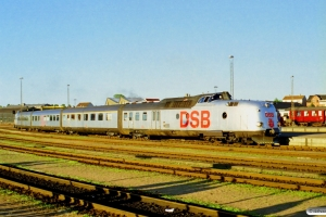 DSB MA 460+AM 500+BMk 530+BS 480 som PX 8164 Ngf-Kh. Nyborg Færge 31.05.1997.
