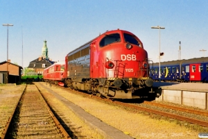DSB MY 1125 og NSB BM 86 F 28+BDFS 86 76. Korsør 01.06.1997.