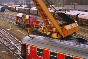 DSB MY 1135+hjælpetog og A 007 (IC 129 afsporet). Nyborg 31.03.1989.