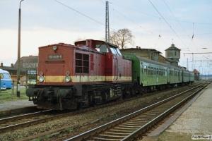 DR 110 609-5 med Tog 4197. Löwenberg 28.03.1991.
