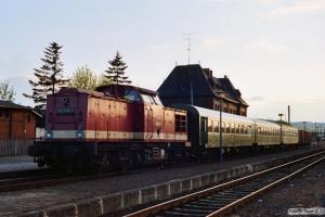 DR 112 438-7 med Tog 8421. Gernrode 18.05.1991.
