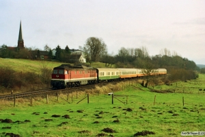 DR 132 387-2 med Tog 1330. Kiel-Elmschenhagen - Kiel 21.12.1991.