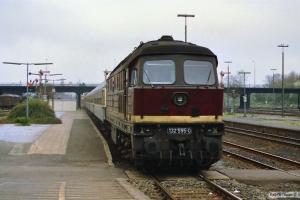 DR 132 595-0 med D 1132. Lübeck 31.03.1990.