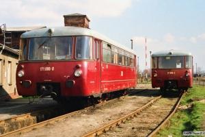 DR 171 006-0 og 171 806-3. Salzwedel 29.03.1991.