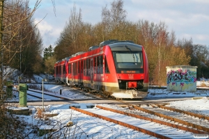DB 648 957+648 457+648 961+648 461 som RE 21612. Kiel Gaarden-Süd 19.01.2013.
