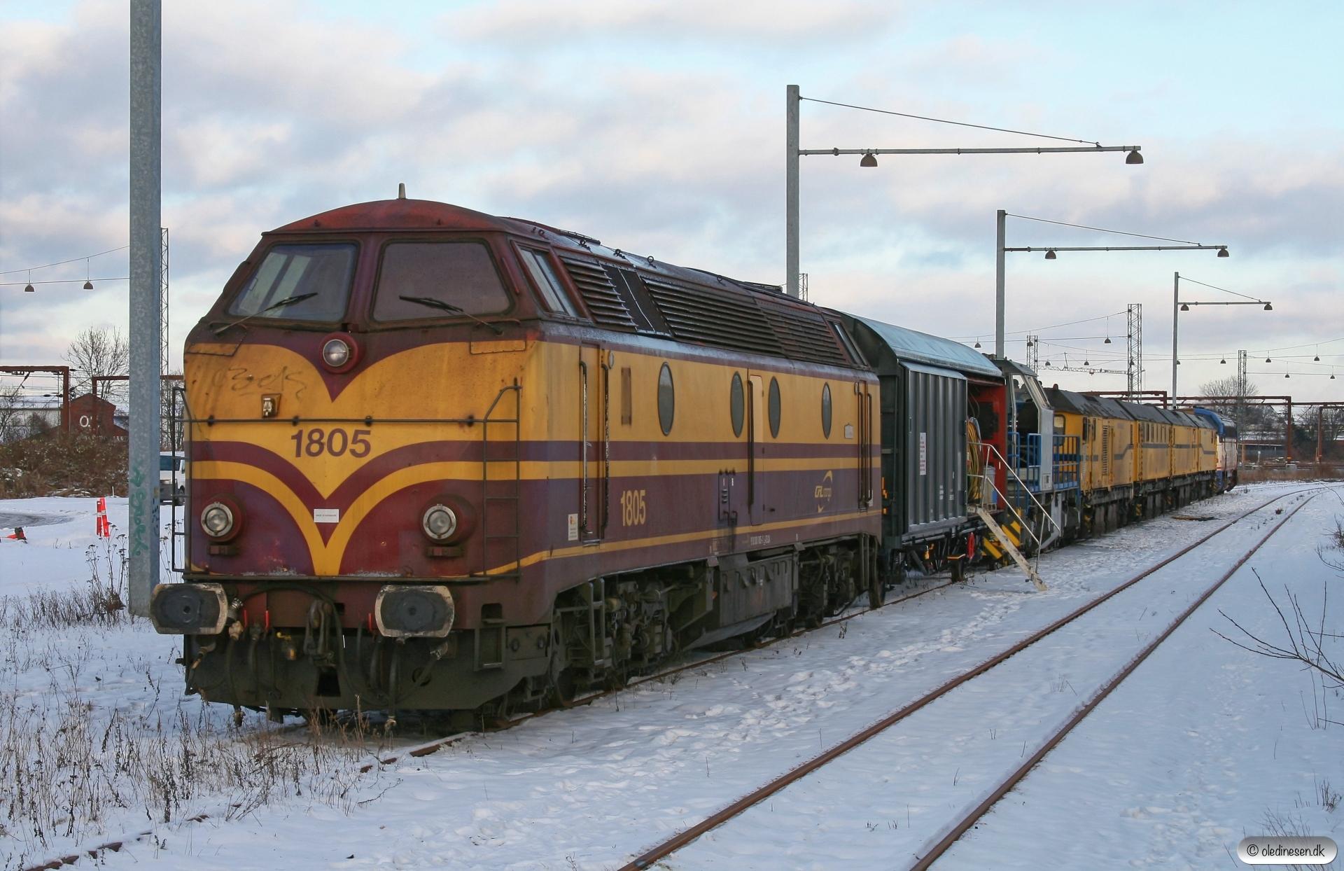 CFLCA 1805+EEWSS Hbillns 23 56 2275 106-5+CFLCA 92 82 000 1104-9+Speno slibetog+CFLCD MY 1146. Odense 20.01.2013.