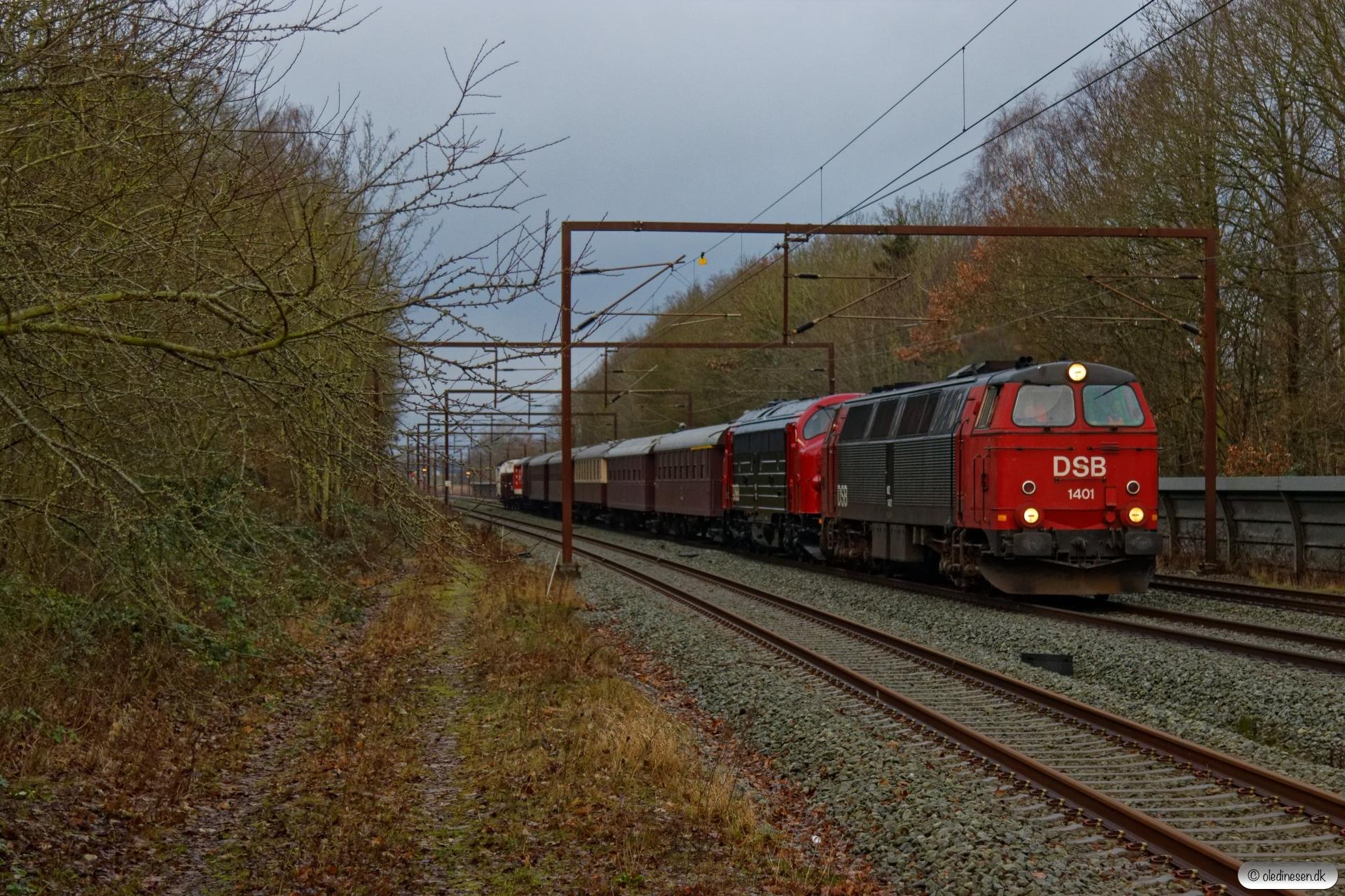 DSB MZ 1401+MY 1112+vogne som VM 6302 Od-Ro. Ullerslev 01.02.2020.