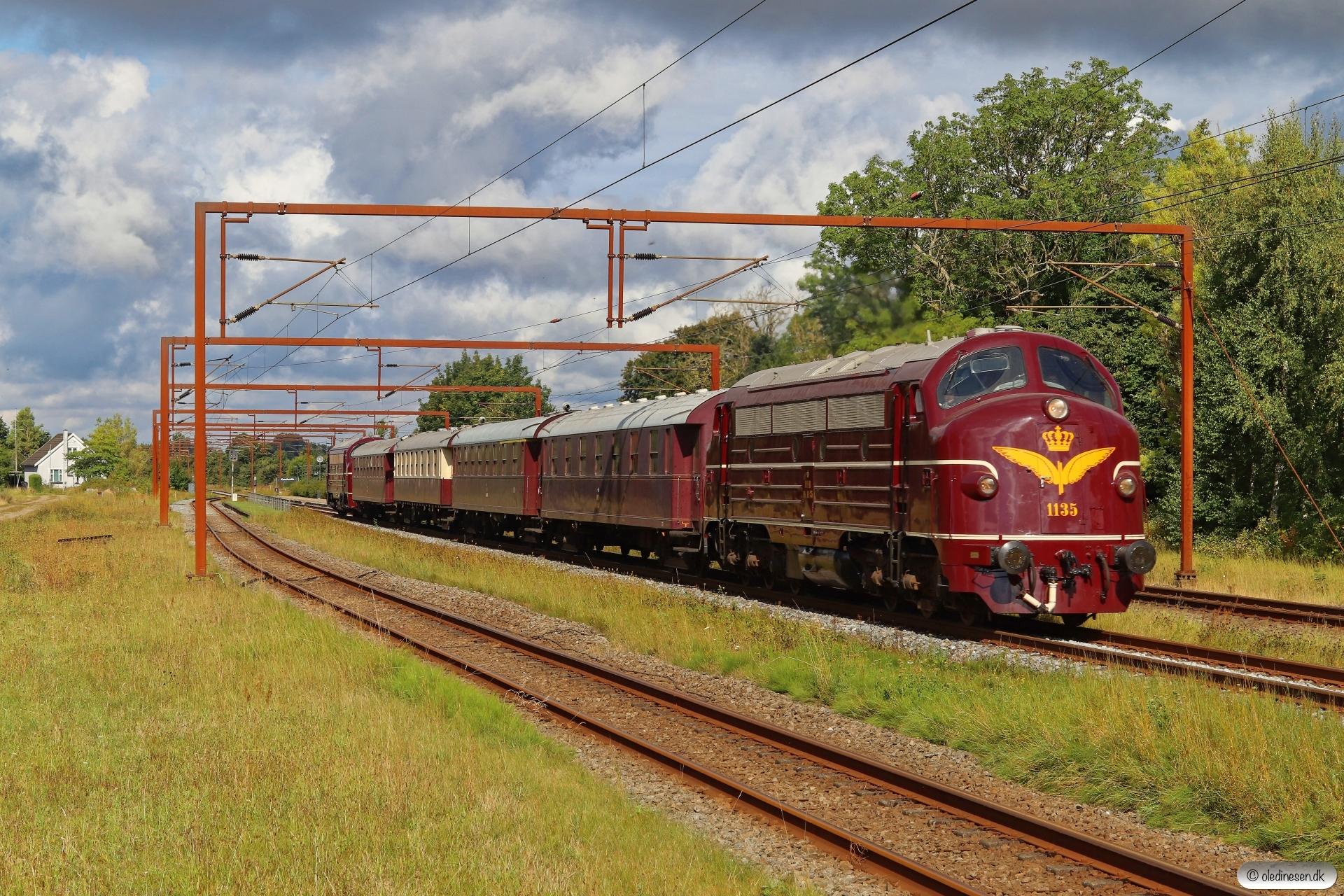 DSB MY 1135+AC+AX+BU+CC+MY 1101 som VM 6402 Fa-Ro. Kauslunde 30.08.2020.