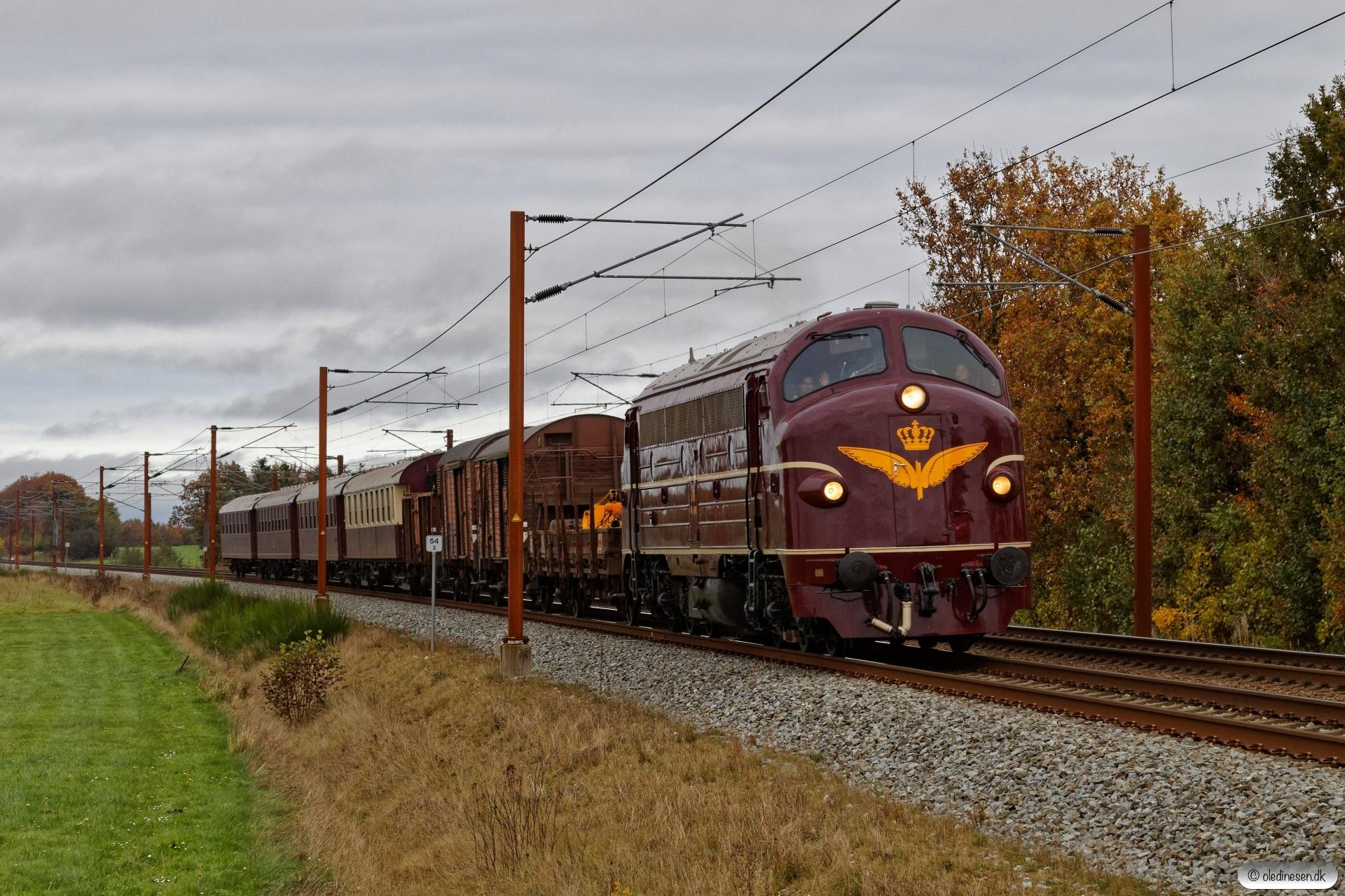 DSB MY 1101+Ks+GS+HD+E+BU+AX+CC+AC som VM 6431 Od-Pa. Km 54,2 Fa (Sommersted-Vojens) 31.10.2020.