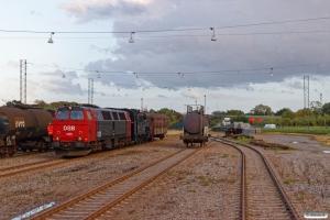 DSB MZ 1401+S 736+CPL 3255 rangerer med VM 6306 Ro-Od. Nyborg 03.08.2017.