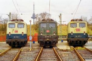 DB 140 726-1, 140 869-9 og 140 287-4. Kiel Bw 13.12.1997.