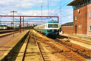 DB 614 074-3+934 563-8+914 030-2+914 040-1+614 073-5 som P 8426 Pa-Od. Odense 19.08.1990.