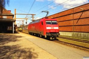 DB 152 017-0 og DSB Køf 255. Padborg 05.04.2000.