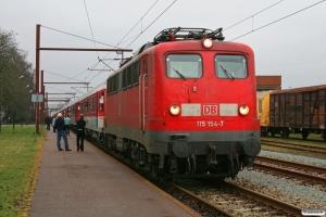 DB 115 154-7+11 personvogne som CNL 13375. Padborg 06.02.2009.