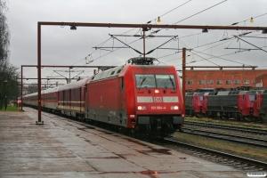DB 101 064-4+16 personvogne som DZ 13264. Padborg 08.03.2009.