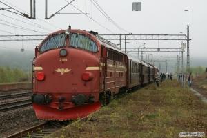 SJ T42 205+5 vogne+NSB Di3.616 som RST 69075. Båstad N 15.05.2010.