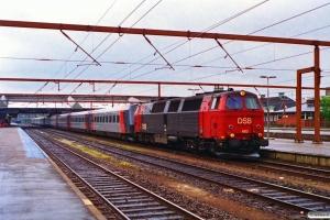 DSB MZ 1413+RAI BON 114+113+112+111+110+115+116+117+118+119 som M 6126 Ar-Pa. Fredericia 19.05.1995.