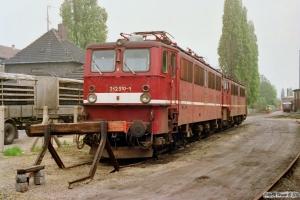 DR 242 310-1 og 242 092-5 hensat. Stendal 20.05.1991.
