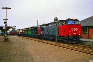 DSB MZ 1455+F 663+SJS CC 311+CC 313+OHJ E 243+SKRJ P 54+HHGB Q 5+HTJ PH 157+ZA 99500+MBJ A 1+LJ LC 195+NPMB 7+NPMB E 41+VAGJ MC 651+DP 5658 som M 8452 Od-Kø. Odense 17.04.1988.