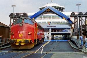 NSB Di3.602 kører ombord på Tycho Brahe. Helsingør 15.05.1994.