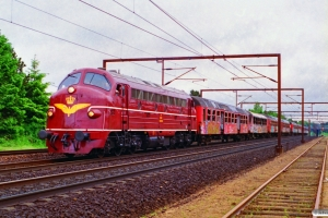 DSB MY 1101+Bn+Bf+B+B+tankvogn+B+Bg+Bn+Bn+Bf som M 6419 Od-Ar. Odense 17.06.1995.