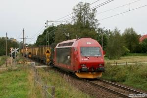 NSB El18.2261 med GT 23693. Hillared - Limmared 28.08.2009.