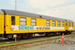 Uaks-x 84 86 93-50 004-5 (ex. BDan 605). Odense 08.10.2000.