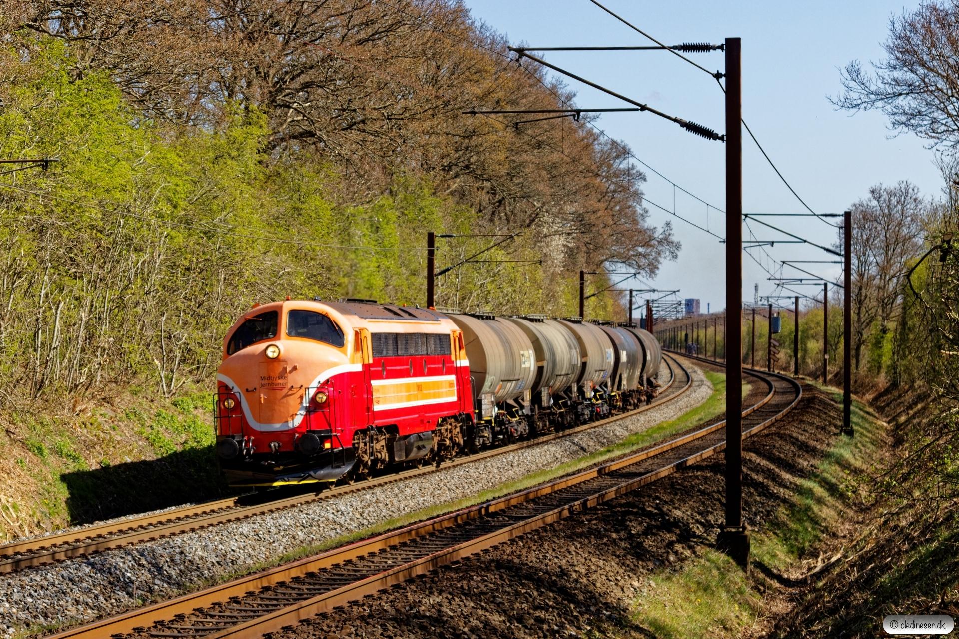 MjbaD MY 28 med G 7243 Ng-Fa. Km 165,6 Kh (Odense-Holmstrup) 16.04.2020.