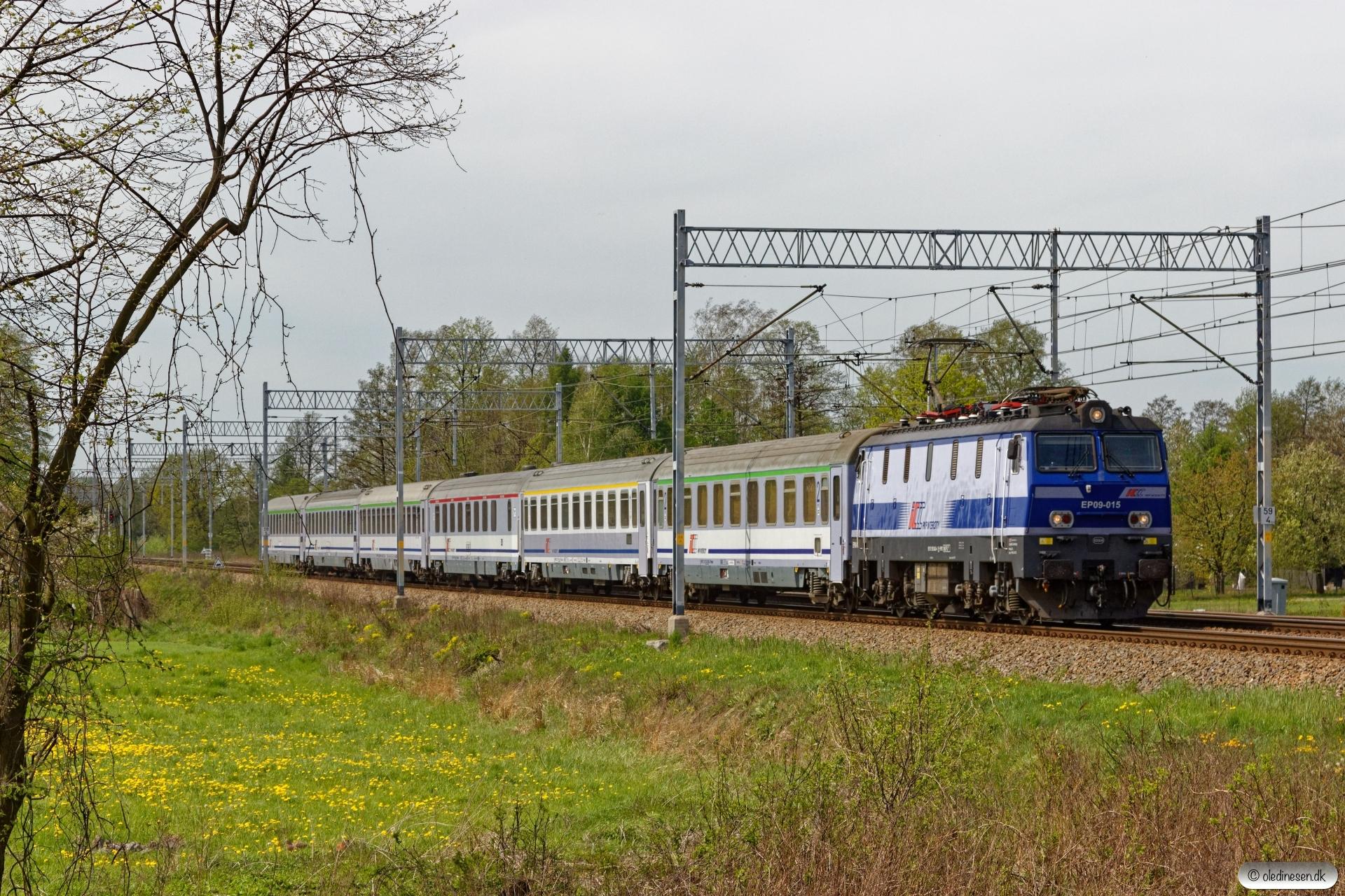 PKPIC EP09-015 med EIC 104. Chybie - Bronów 26.04.2019 kl. 12.05½.