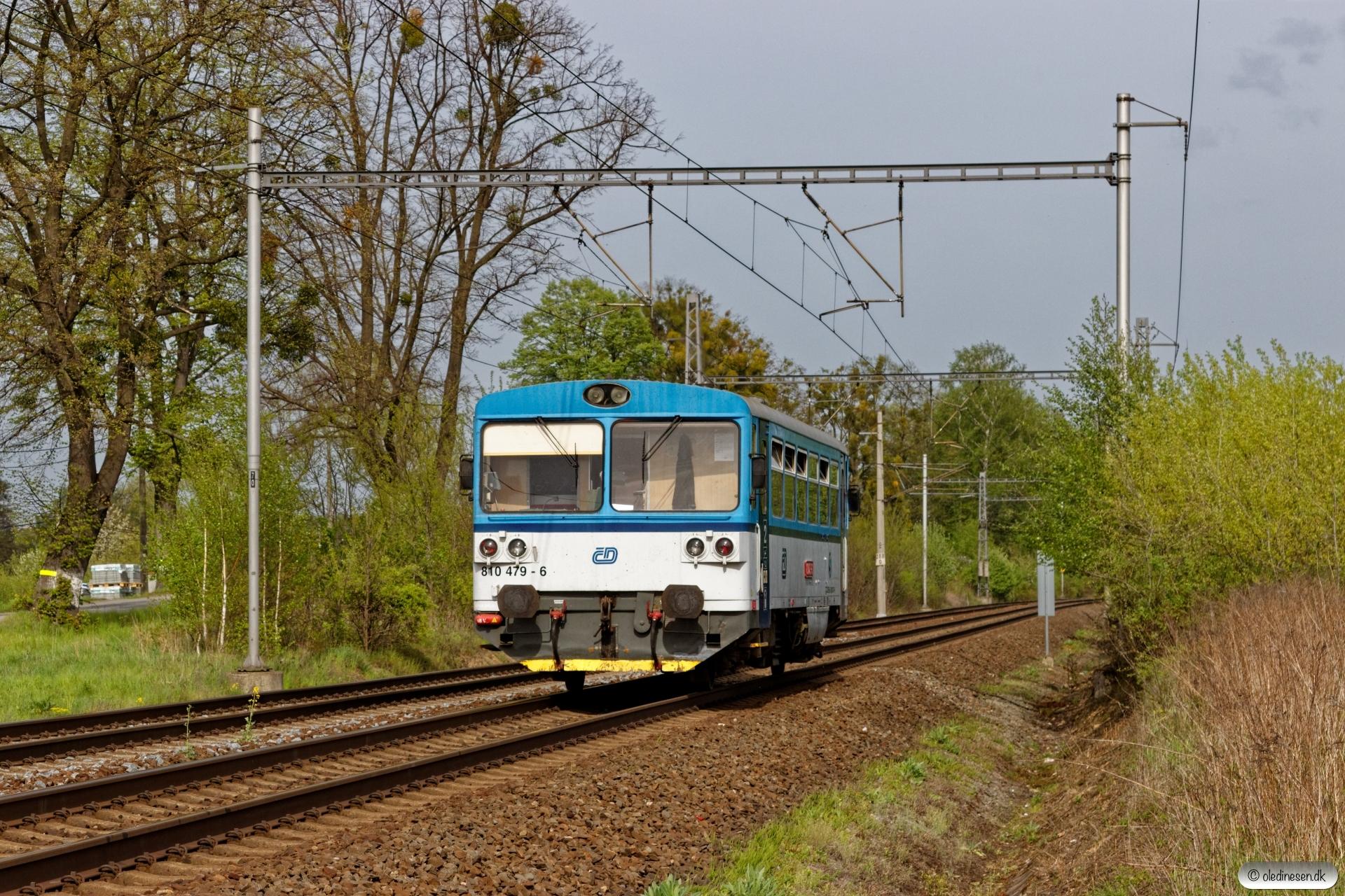 ČD 810 479-6 som Os 3035. Závada (Tjekkiet) 26.04.2019 kl. 16.13½.