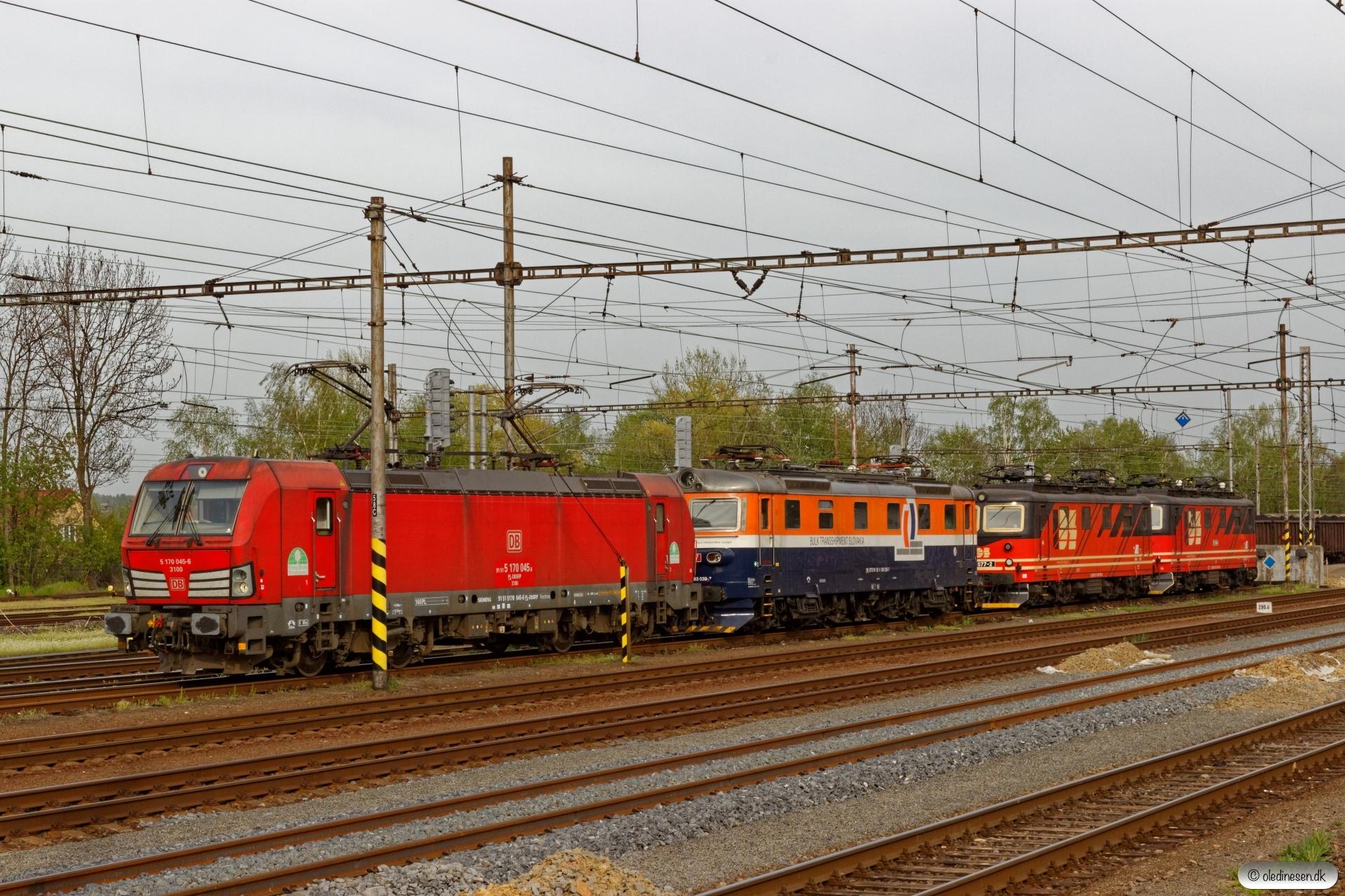 DBSRP 5 170 045-6, BTS 183 039-7 og IDS 121 077-2+IDSC 121 084-8. Petrovice u Karviné (Tjekkiet) 26.04.2019 kl. 17.16.