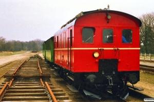 VNJ 11 med P 8635 Mv-Hp. Kørsel if. Jernbanemuseets genindvielse. Holmstrup 16.04.1988.