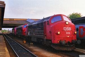 DSB MX 1036+MY 1121+MX 1040. Fredericia 30.06.1988.