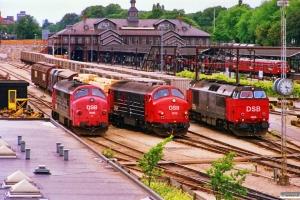 DSB MX 1045, MX 1019 og MZ 1455. Østerport 01.07.1989.