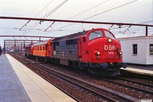 DSB MX 1015+SJ Qib 30 74 985 0 235-9+MX 1013. Roskilde 07.11.1989.