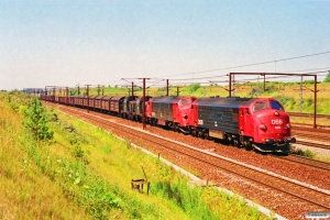 DSB MX 1025+MX 1032+MH 378+MH 414 med G 9122 Pa-Gb. Høje Taastrup 06.07.1991.