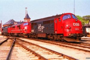 DSB MZ 1450+HFHJ MX 17+DSB MX 1016 som G 9776 Kk-Gb. Østerport 02.05.1993.