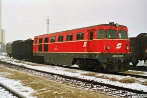 ÖBB 2050 008-8 rangerer. Weitersfeld 19.04.1991.