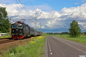 SJ Rc6 1361+7 vogne+Rc6 1382 som RST 821. Uppsala - Säby 09.06.2013.