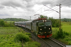 SJ Rc6 1389 med RST 360. Upphärad - Velanda 04.06.2012.
