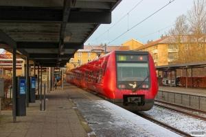 DSB SA 8113 som Tog 23141 Htå-Fm. Farum 28.12.2014.