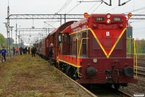 SJT 42 205+5 vogne+NSB Di3.616 som RST 67075. Båstad N 15.05.2010.