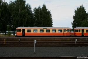 SJ YBo5p 897+YBo5p 900 som RST 8615. Hultsfred 23.08.2009.