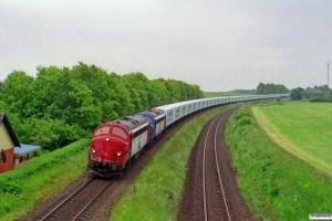 TBL MY 1134+MY 1110 med GF 8647 Te-Ar. Km 77,8 Fa (Hovedgård-Skanderborg) 15.06.2001.